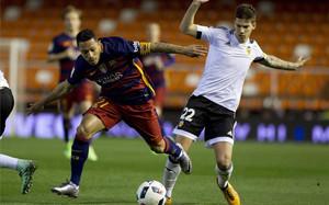 Adriano fue el capitán del Barça en Mestalla