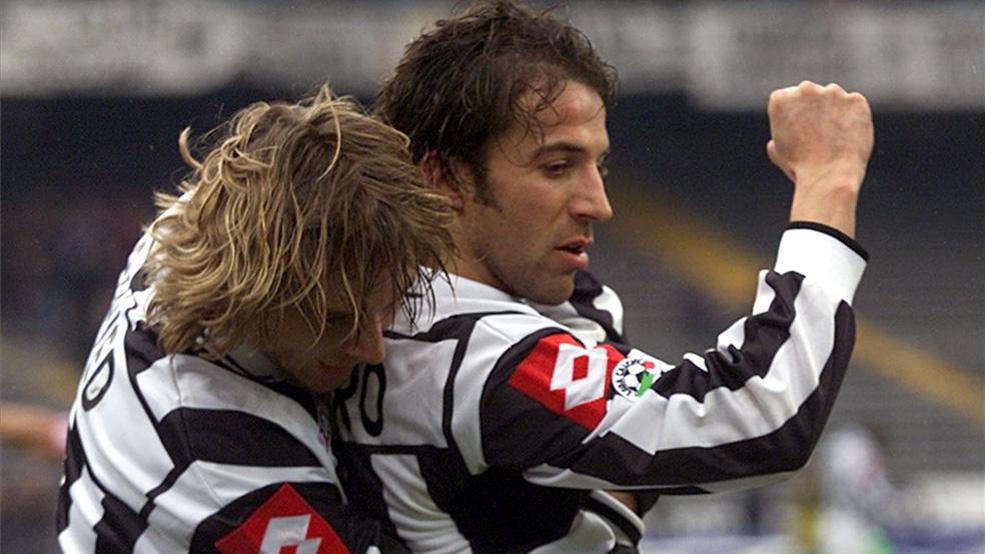 Nedved vuelve al fútbol...¡ocho años después de retirarse! (ES)