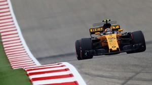 Carlos Sainz con el Renault de F!