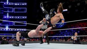 Brock Lesnar pudo con AJ Styles en WWE Survivor Series