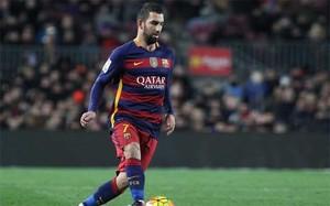 Arda Turan en acción en el Barça-Athletic Club de la Liga BBVA 2015/16