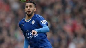 Mahrez fue clave para que el Leicester se proclamara campeón de la Premier la temporada pasada