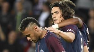 Cavani se sabe derrotado por Neymar
