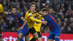 Busquets y Piqué en el Barça-Málaga de la Liga 2016/17