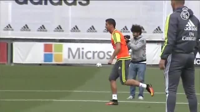 Cristiano Ronaldo entrena con normalidad