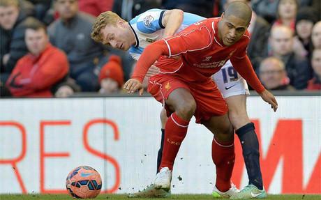Glen Johnson ser�a una alternativa de urgencia si Alves no sigue