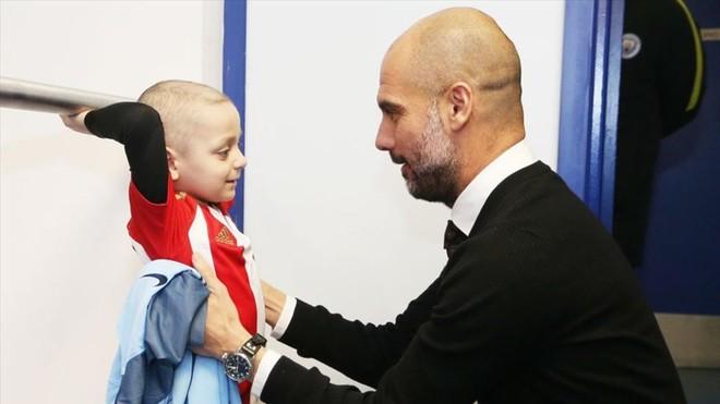 El emocionante encuentro de Pep con Bradley, el niño enfermo de cáncer