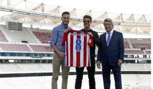 Saúl Ñíguez, junto a Tom Cruise y Enrique Cerezo
