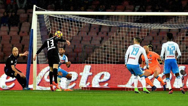 El Nápoles se aleja del Scudetto al caer ante un Atalanta que sueña con la Champions