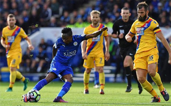 Musa abri� el camino de la goleada del Leicester
