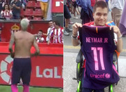 Sergio Gonz�lez posa orgulloso con la camiseta que le regal� Neymar