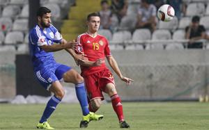 Thomas Vermaelen (derecha) durante un partido de clasificación para la Eurocopa 2016 entre Bélgica y Chipre