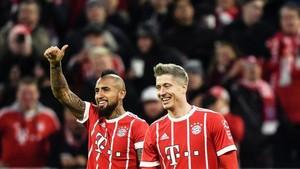 Arturo Vidal y Lewandowski liquidaron al Augsburgo