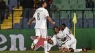 Los jugadores del PSG celebran el segundo gol marcado por Cavani