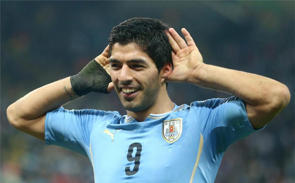 Casi dos a�os despu�s, Luis Su�rez vuelve a lo grande con Uruguay