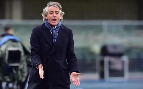 Roberto Mancini, cuestionado