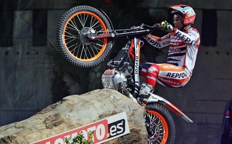 Toni Bou se hizo con la victoria en el 39 Trial Indoor de Barcelona