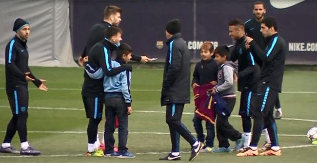 Tres chavales se cuelan en el entrenamiento previo al Bar�a-Arsenal