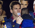 Messi se puso el chupete