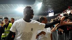 Balotelli pretende seguir en el Niza