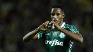 Yerry Mina dejará el Palmerias por el FC Barcelona