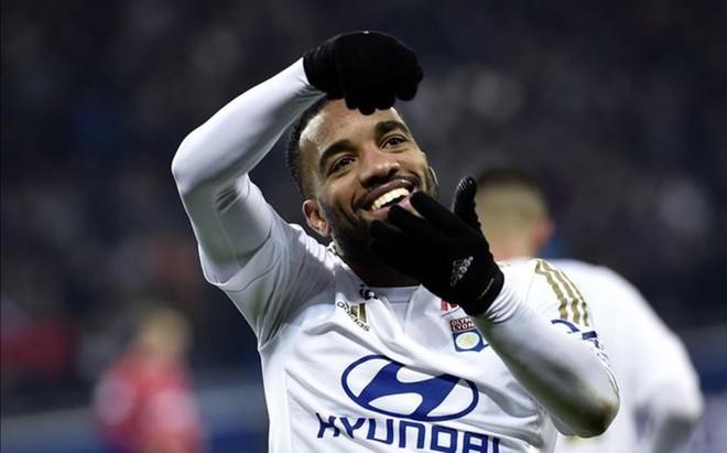 Alexander Lacazette, jugador del Olympique de Lyon en la agenda del Bar�a