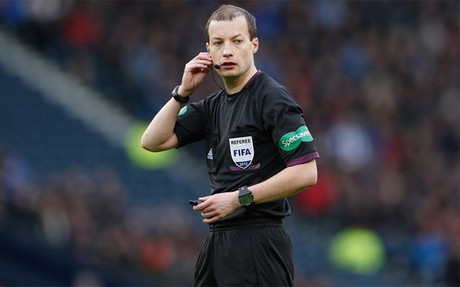 Collum arbitrar� el Bar�a-Ajax