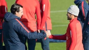 Emery no censuró la fiesta de Neymar