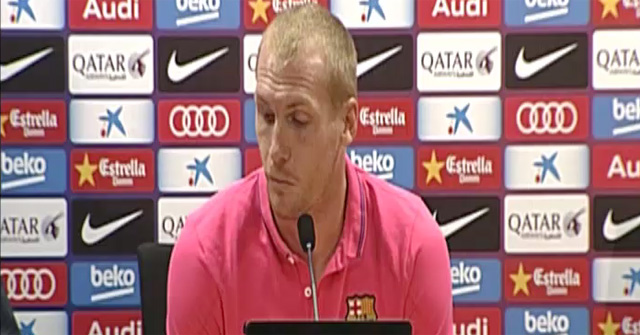 Mathieu reiter� que le sorprendi� jugar de lateral ante el Madrid