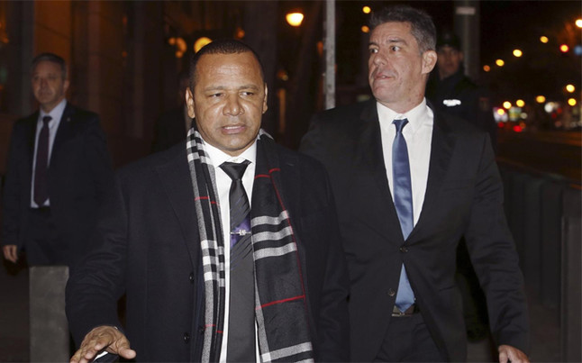 El padre de Neymar reconoci� en la Audiencia Nacional una oferta de 190 millones