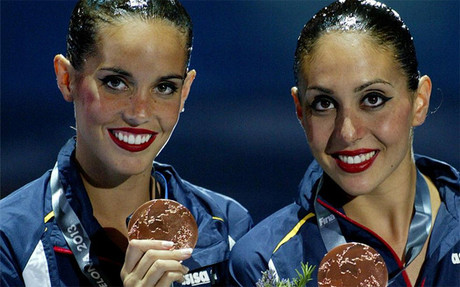 Carbonell y Crespi, con las medallas.