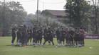 La plantilla del Barcelona, en una pausa durante el entrenamiento