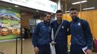 Los capitanes V�ctor S�nchez, Javi L�pez y V�ctor �lvarez, a la llegada a Bolivia