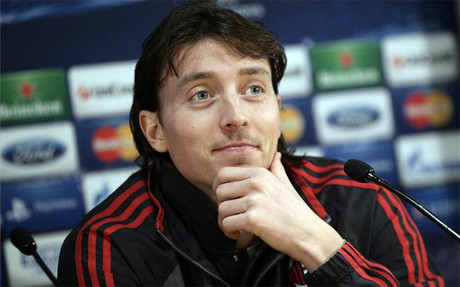 Riccardo Montolivo seguir� en el Milan