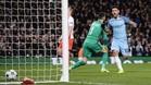 El Kun Agüero marcó así uno de sus dos goles ante el Mónaco