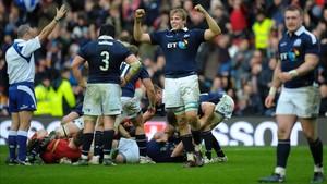 Escocia celebró su primer triunfo sobre Gales en 10 años
