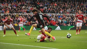 Sané provocó el penalti que le sirvió al City para anotar el 1-1