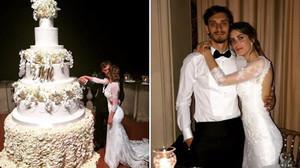 Gabbiadini, con su esposa y la espectacular tarta nupcial