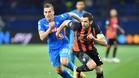 Srna supera a Milik en el Shakhtar-Nápoles de la Champions League