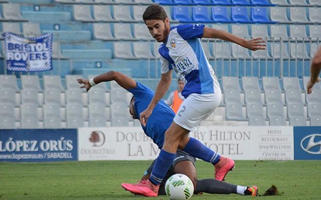 El Sabadell ya ha jugado amistosos con el bal�n de la discordia