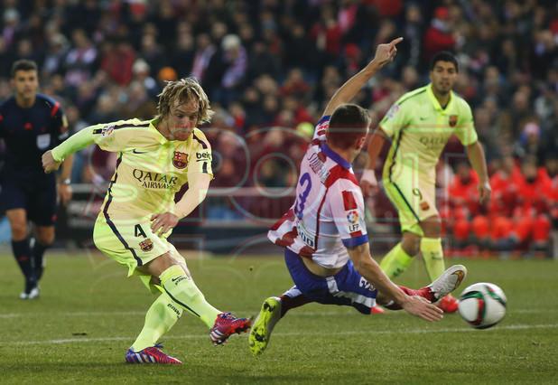 صور : مباراة أتليتيكو مدريد - برشلونة 2-3 ( 28-01-2015 )  1422483165212