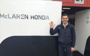 De la Rosa, de visita en el box de McLaren