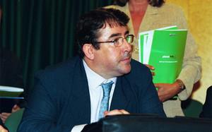 Jorge Pérez se postula para suceder a Villar