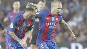 Messi e Iniesta representan este martes a la cantera barcelonista