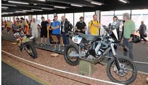 Muestra de motos históricas del Dakar en el Circuit