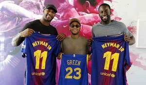 Neymar, junto a Draymond Green y Andre Branch