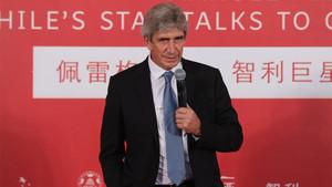 Manuel Pellegrini durante un acto de promoción del fútbol y de la imagen de Chile en Pekín (China) el pasado 31 de agosto