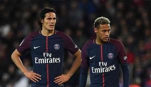 Cavani y Neymar se pelearon en el campo