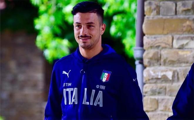 Armando Izzo, jugador del G�nova y recientemente convocado por el seleccionador italiano Antonio Conte, se defendi� de las sospechas