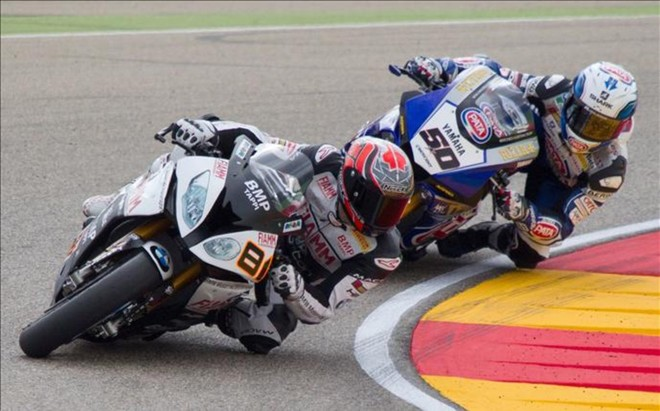 Jordi Torres y Sylvain Guintoli en Superbikes